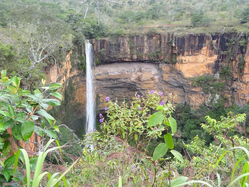 cachoeira veu de noiva chapada dos guimaraes