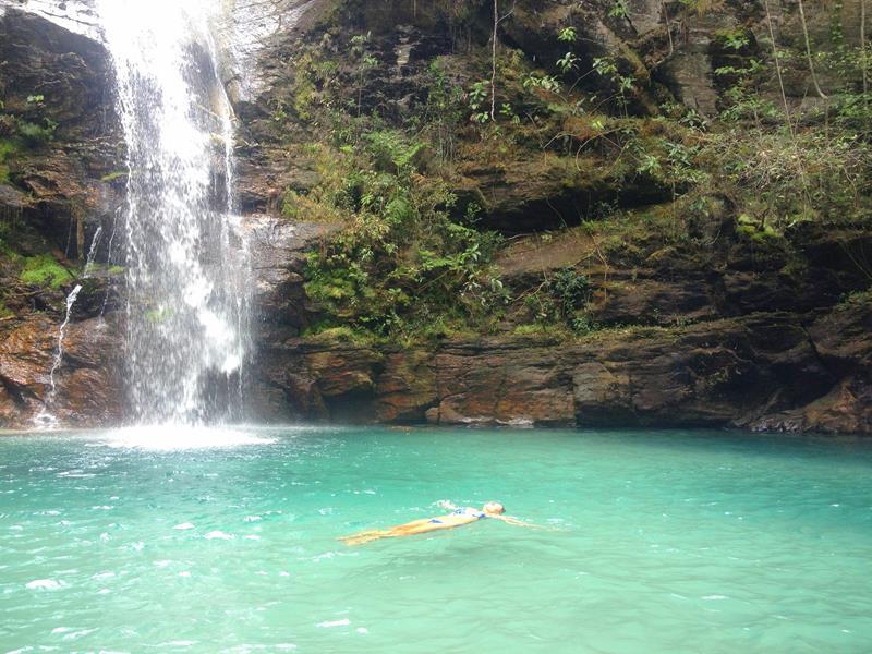 boiando na cachoeira santa barbara