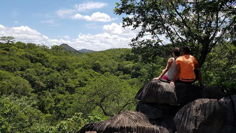 mirante trilha itaguassu em mambaí