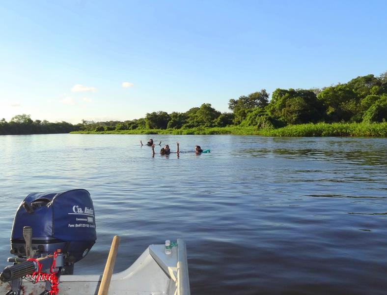 o-que-fazer-no-pantanal-flutuacao-rio-miranda