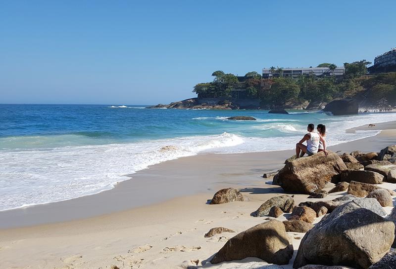 praia do vidigal pedras